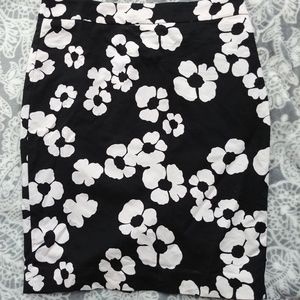 Loft Black and White Mod Floral Pencil Skirt